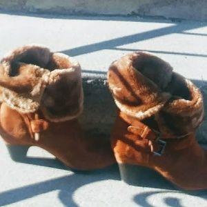 High heeled fur boots